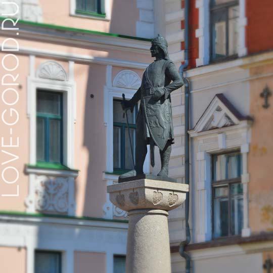 Памятник Торгельсу Кнутсону