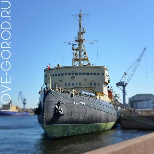 Корабль-музей ледокол «Красин»